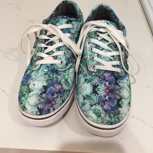 Women's Vans Shoes Size 6 Blue and Green